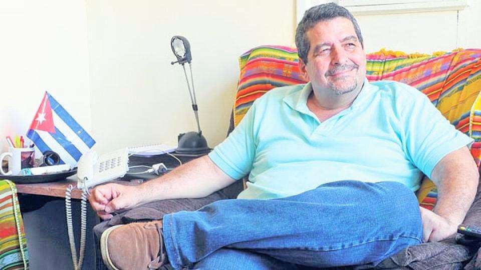 El funcionario Iroel Sánchez. (CRONICÓN)